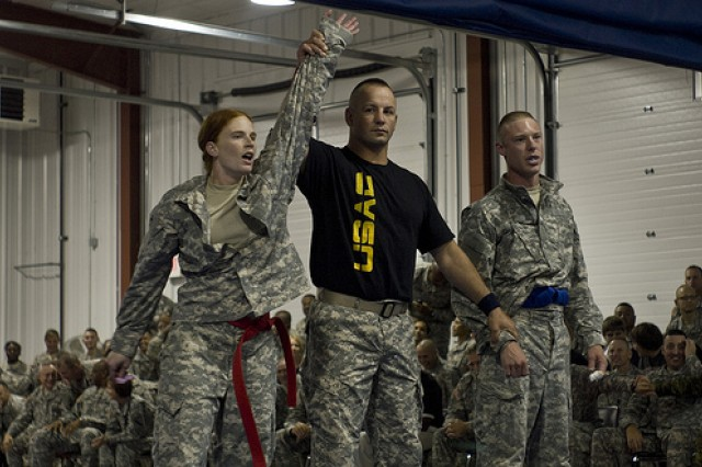 Army Reserve Best Warrior competitors do battle in Modern Army Combatives