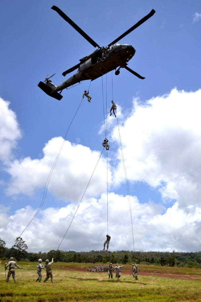 Cab Soldiers Assault Through Air Assault Course Article