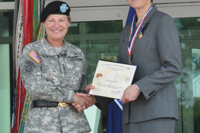 Gen. Ann E. Dunwoody, AMC commanding general, hosted the ceremony and presented awards to Teresa W. Gerton for her service as the Executive Deputy to the Commanding General. U.S. Army Photo.