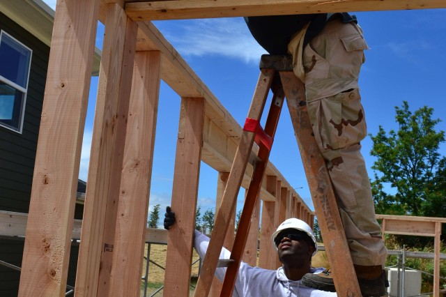 Wounded Warriors build with Habitat for Humanity