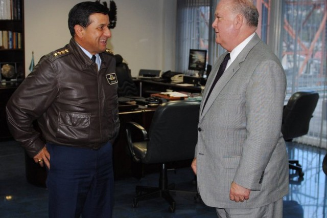 Under Secretary of the Army Joseph W. Westphal meets with the commander of the Colombian air force Gen. Julio Alberto Gonzalez Ruiz.