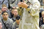 Mullen visits Fort Hood troops in Iraq