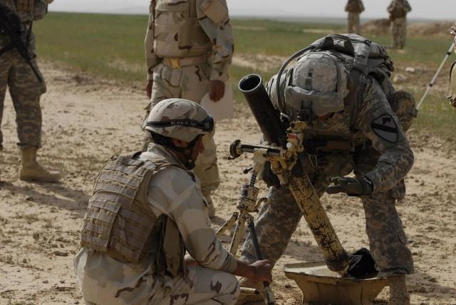 Teaching Iraqi Army mortar skills
