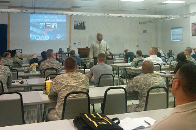 Soldiers attend a free Transition Assistance Program workshop.