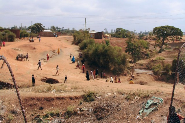 While dry today, during the rainy season the river bed separating Negele and Borena will have between three and seven meters of water making it extremely dangerous and at times impossible to cross.