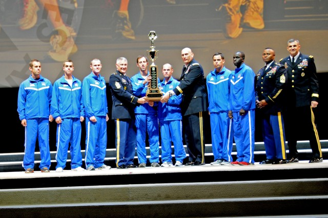 Fort Bragg receives awards during AUSA opening ceremony