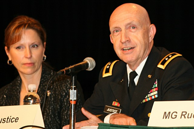 Army discusses future technology partnerships