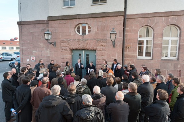 German group tours installations to view real estate to be released to host nation