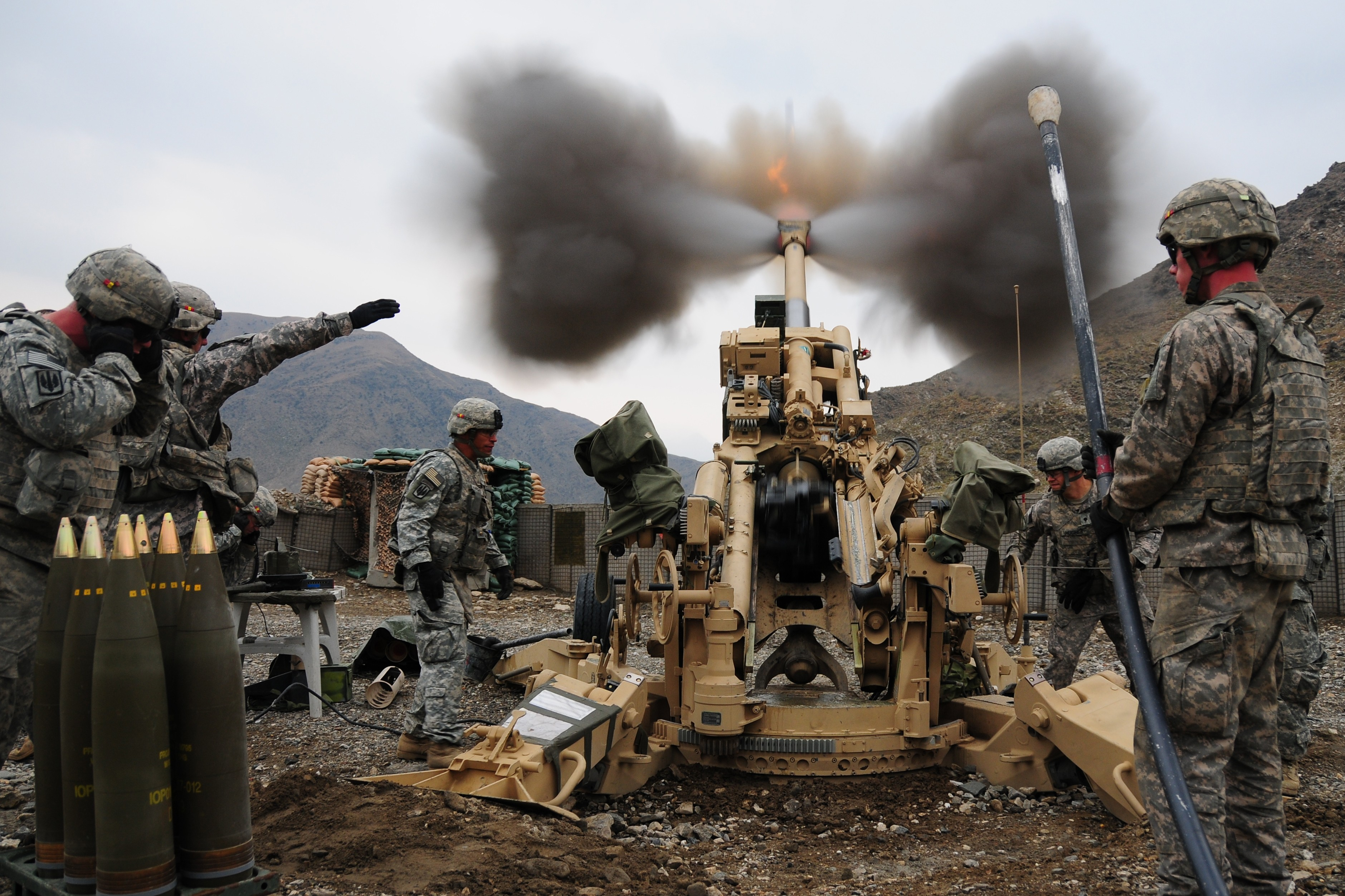 M777 Artillery Firing - Military Pictures - Air Force Army Navy ...