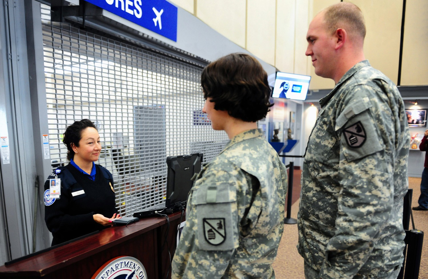 new law will expedite soldiers thru airport security - Transportation Security Officer