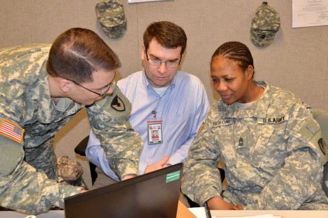 Robert Ash oversees contraction actions by Army Soldiers during operational training Jan. 30 at Fort Bliss, Texas, as part of the two-week readiness exercise Joint Dawn 2010.