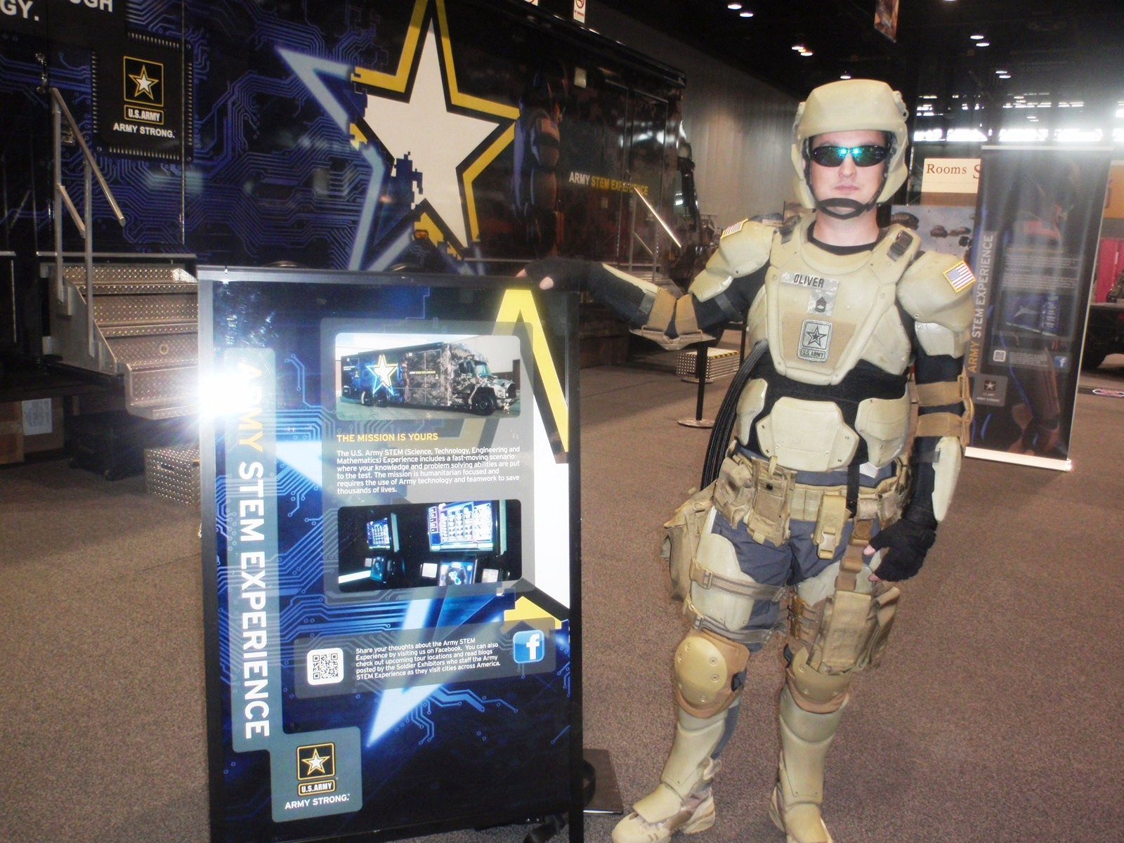 Soldier Of The Future On Display At The 2012 Chicago Auto