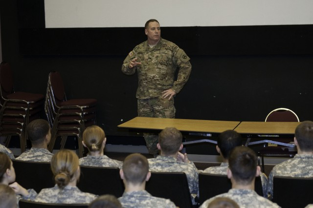 Sustainers visit U of L, advise ROTC cadets