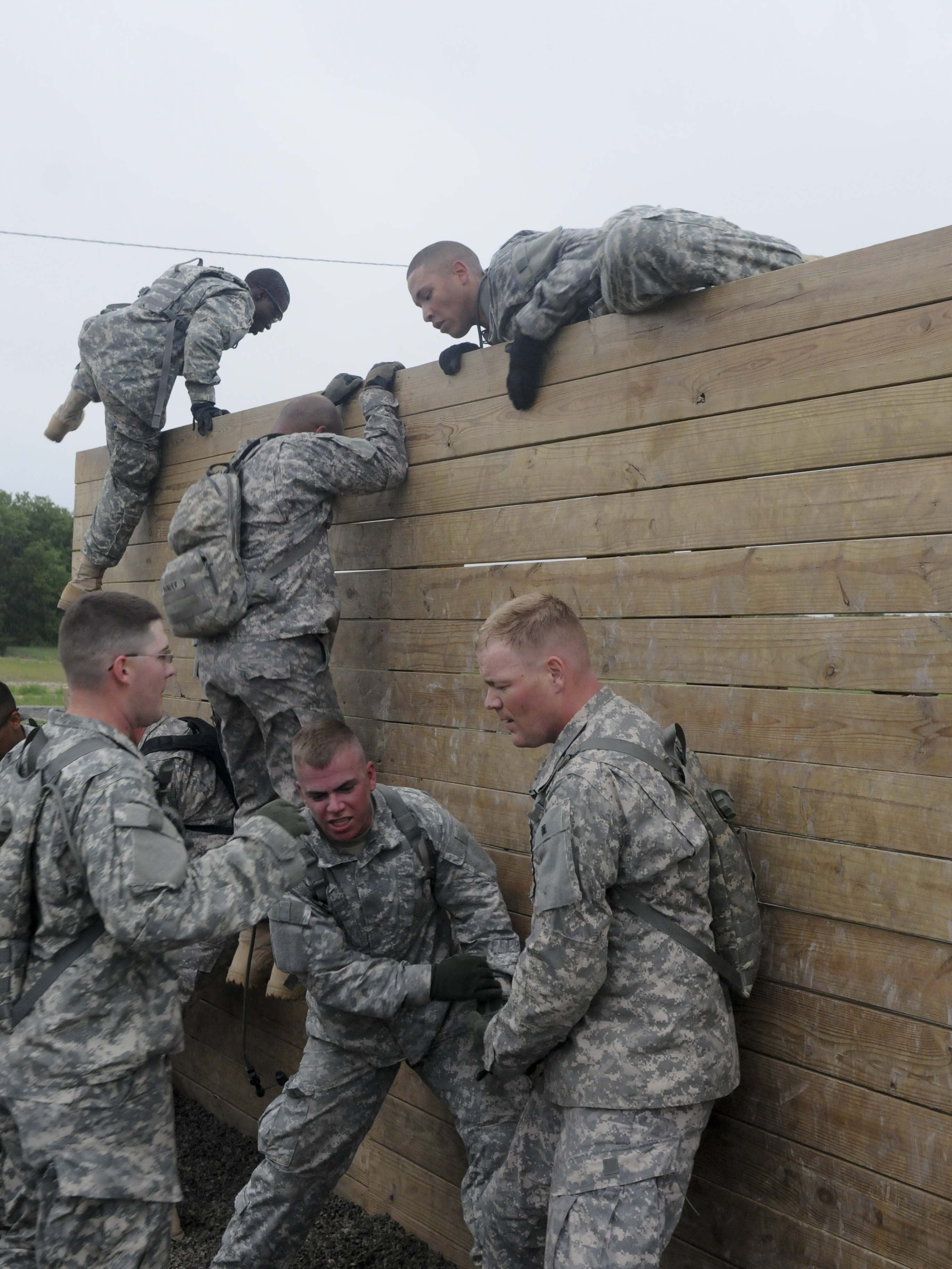 3BSTB conducts PT challenge | Article | The United States Army