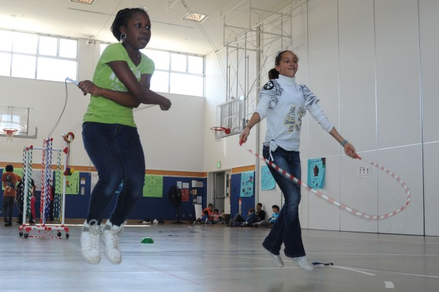Students in Japan 'Jump Rope for Heart' to raise money