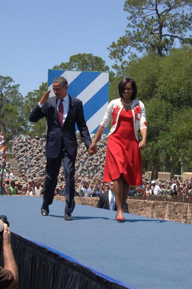 Obamas greet Fort Stewart troops