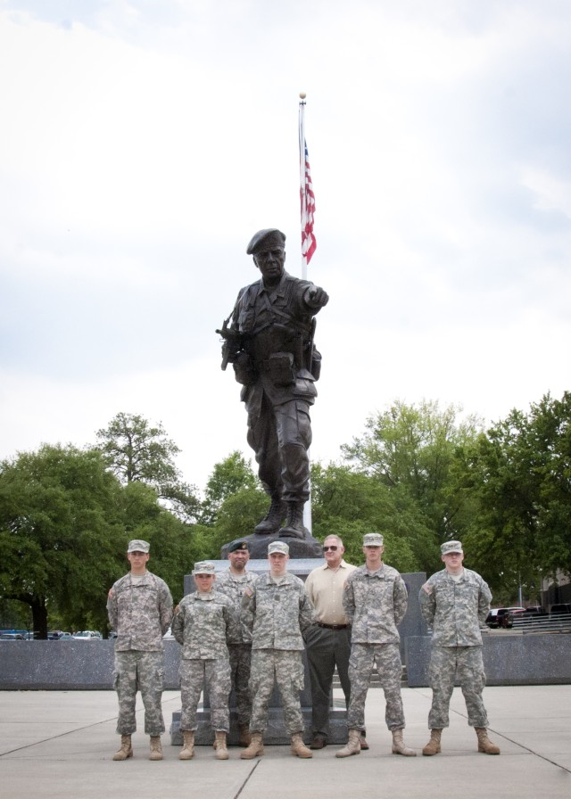 Special-operations Soldiers share history, experience with local cadets