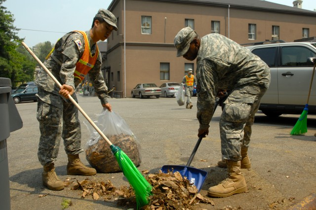 Yongsan spring cleans in anticipation of monsoon