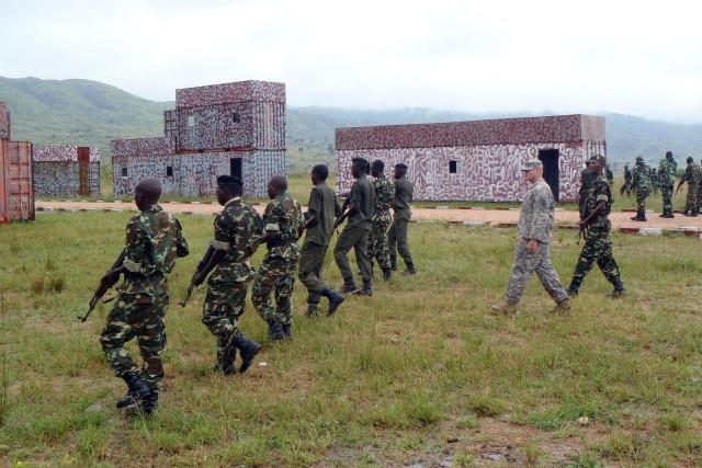 Texas National guardsmen exchange best practices with Burundi soldiers