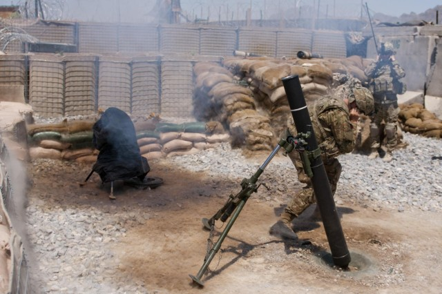 Mortarmen in Afghanistan train with new round