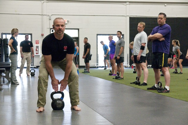 Kettlebells offer multi-faceted workout to keep Fort Bragg Soldiers, Family members fit