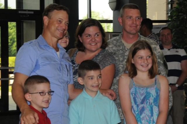 gary sinise visits soldiers families at fort rucker