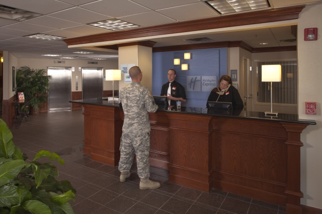 Army remodels six hotels for lodging privatization