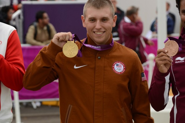 Hancock sets record on way to gold