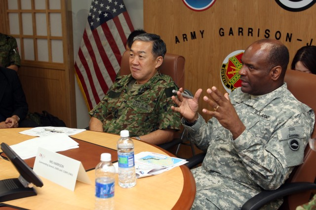 Japan's Central Readiness Force Commander visits U.S. Army Japan