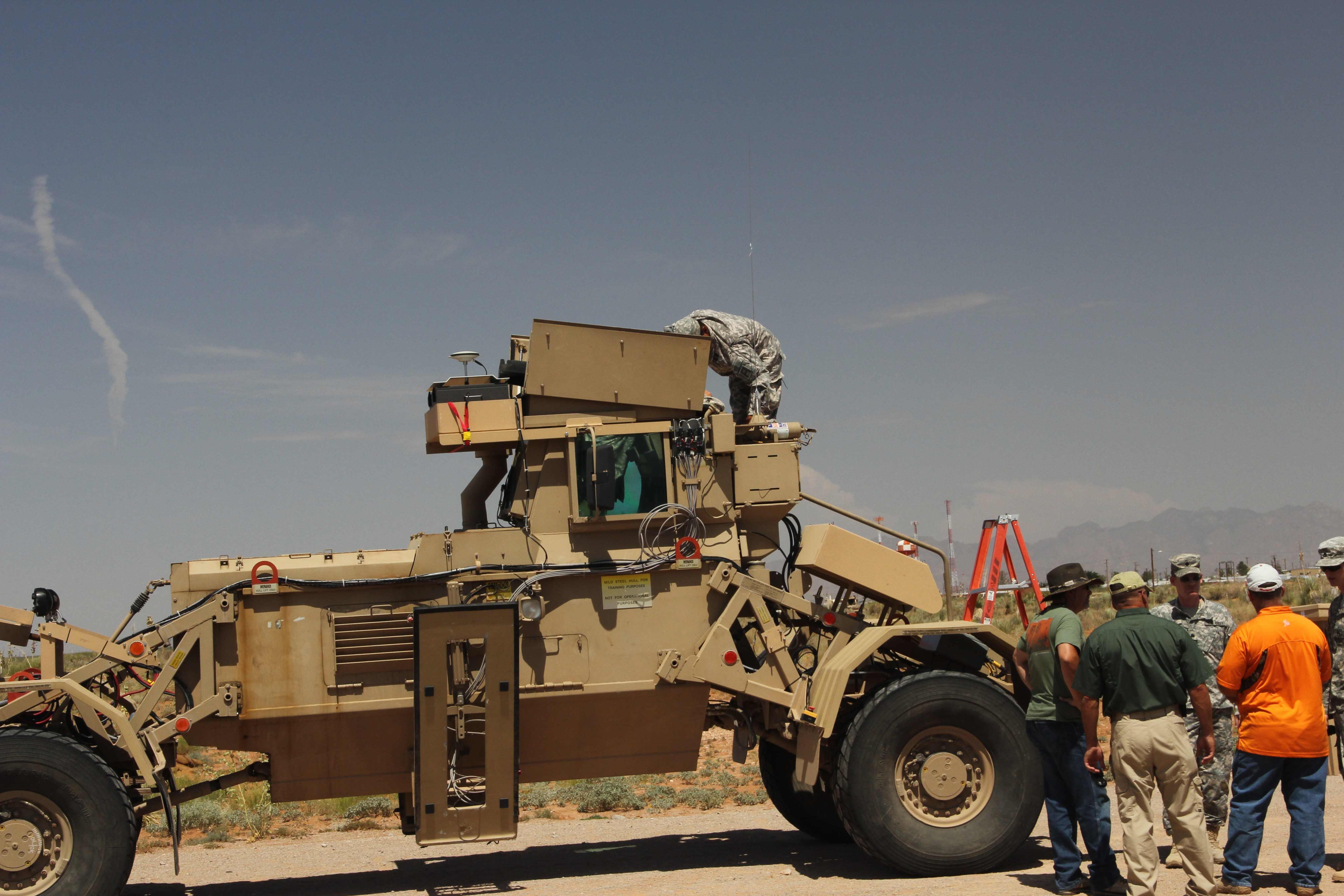 Division West Soldiers test new technology to defeat IEDs   Article