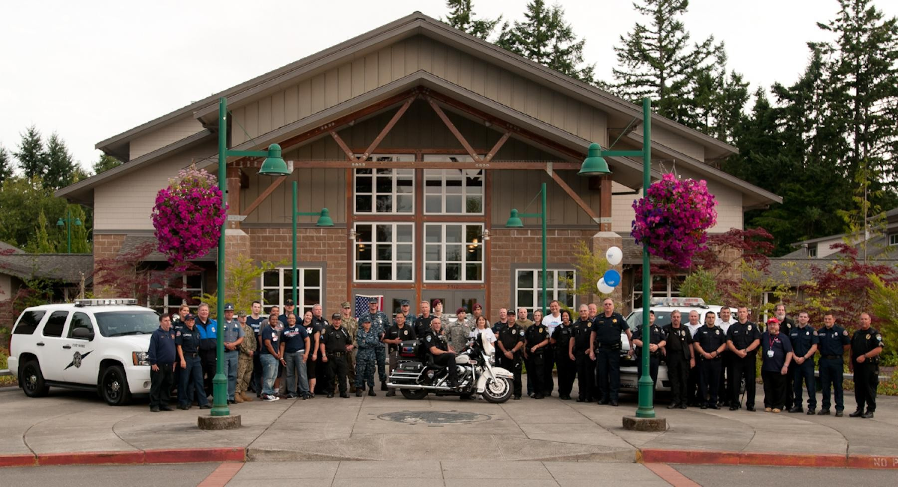 Military community connects with Gig Harbor | Article | The