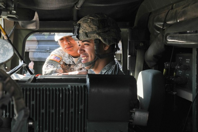 1-377 Field Artillery Regiment welcomes their first female battery commander