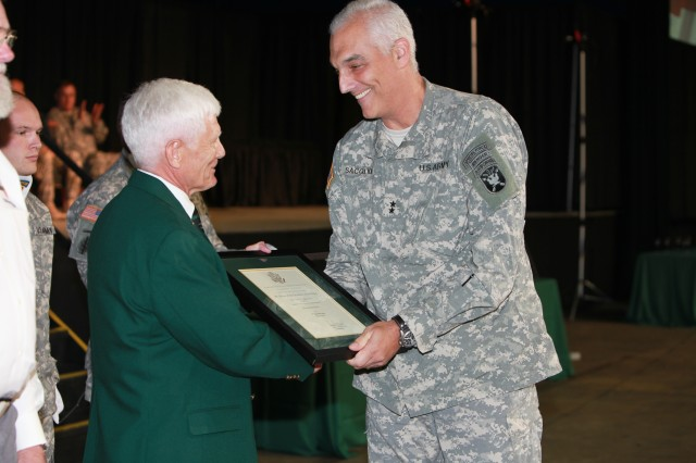 Special Forces qualification students graduate course, don green berets