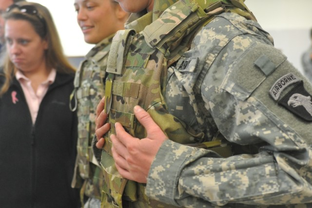 101st Airborne Division female Soldiers first to test prototype body armor