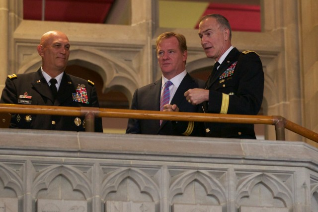 Gen. Odierno, Ltg. Huntoon, with Commissioner Goodell.