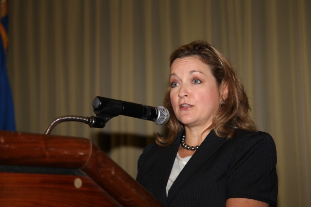 Paige Hinkle-Bowles, Deputy Assistant Secretary of Defense for Civilian Personnel Policy, addressed employers at the Hiring Heroes Career Fair at the Sam Houston Club thanking them for considering the men and women of the military seeking a smooth transition from uniformed to civilian life.