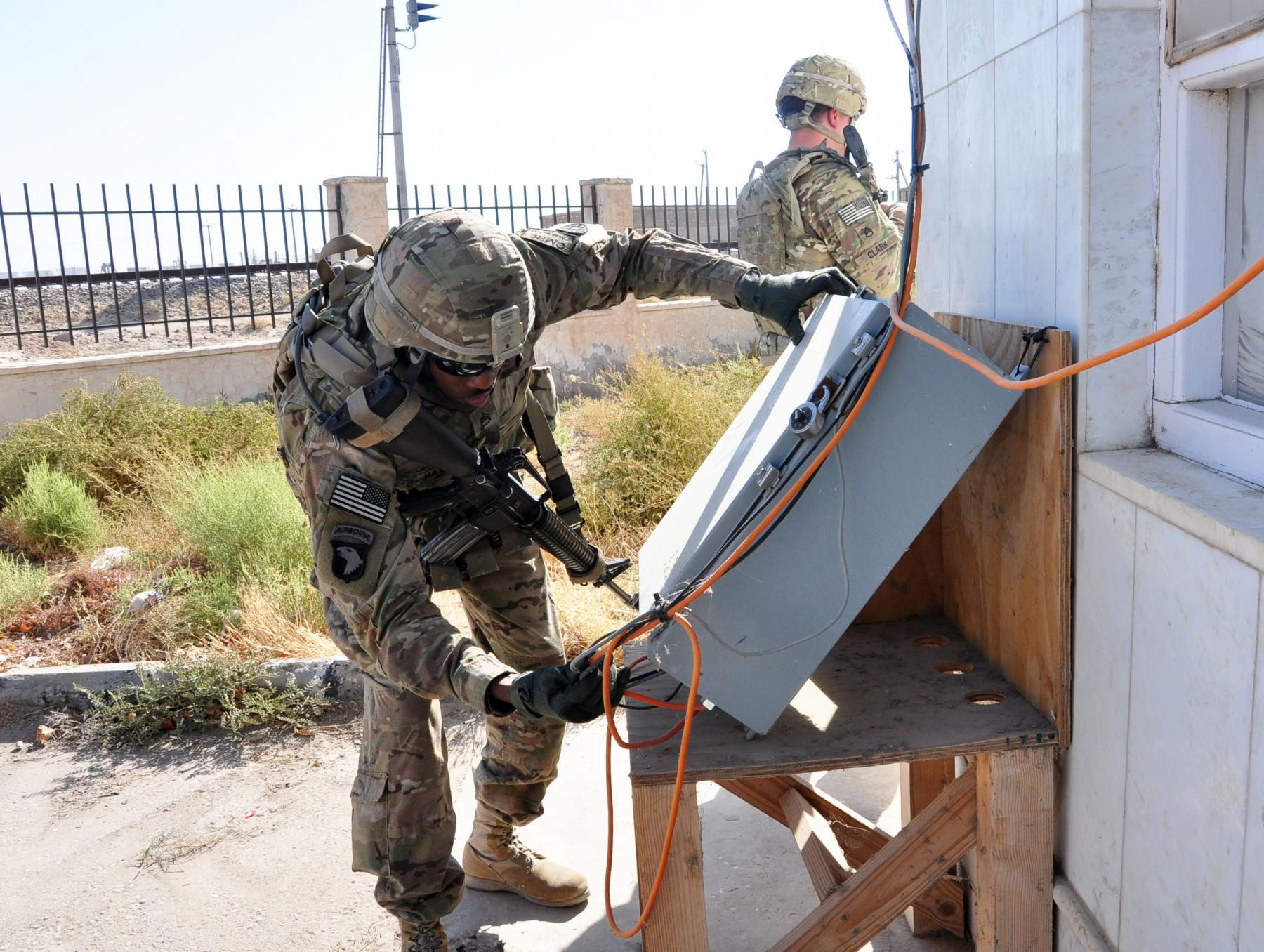 Sustainers use 'interrogator' to track cargo at Afghanistan