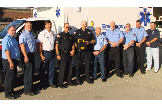 DES paramedics, police save motorist in cardiac arrest