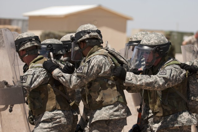 200th Military Police Command Soldiers and Canadian Forces military police conduct joint training during exercise Guardian Justice 2012 Camp McGregor, N.M., from May 14-15. McGregor is a remote training area of Fort Bliss, Texas. The partnership brings together the nearly 14,000 Soldiers assigned to the Fort Meade-based 200th MPC with the Canadian Military Police Branch, which has more than 2,000 military members augmented by civilian personnel working within more than 90 units and detachments across Canada and at its headquarters in Ottawa.