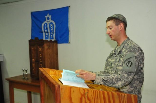 First US Army cantor spreads faith on deployment