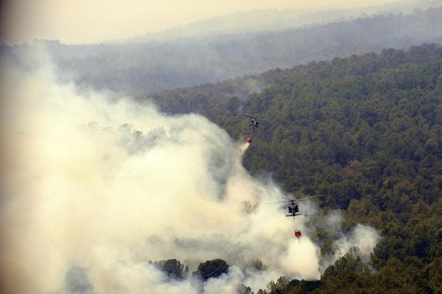 Texas National Guard helicopters battle Bastrop blaze