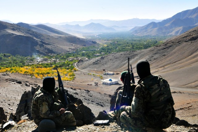 Afghan soldiers from 4th Toli, 2nd Kandak of the Afghan National Army, overwatch the Kona Kumar valley in Afghanistan's Wardak province, Oct. 4, 2012.  The Afghan soldiers were providing security in assistance of an operation to clear the valley of suspected insurgents.
