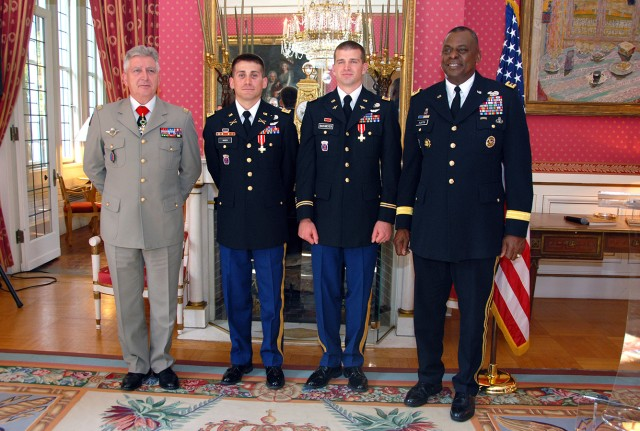 Aviatiors receive French Cross of Military Valor with Silver Star