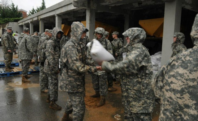 Old Guard Soldiers brave Hurricane Sandy, render honors, ensure others' safety