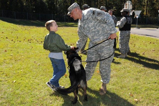 K9 demonstration tops off Red Ribbon Week