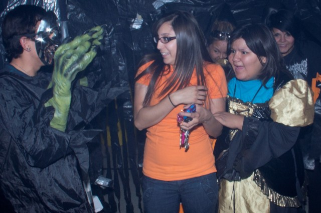 Soldiers Supply Spooky Haunted House For El Paso Community Article