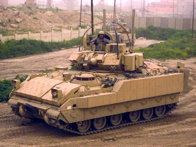 Bradley M2A3 with BUSK