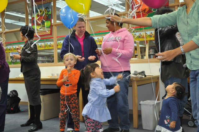 Yongsan kids enjoy Thanksgiving Book Reading with Col. Michael E. Masley, garrison commander for U.S. Army Garrison Yongsan. Masley celebrated Thanksgiving with a book reading at the Yongsan Library, Nov. 6. (U.S. Army photo by Cpl. Lee Hyokang)