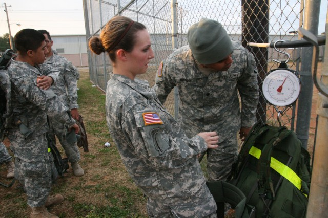 Civil Affairs Brigade Soldiers ruck and stuff it for Thanksgiving ...