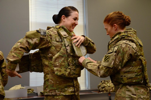 'Raider' females among first in Army to get new tactical vests